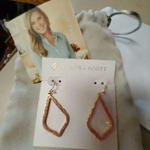 New Kendra Scott SOPHIA Earrings in Rose Gold